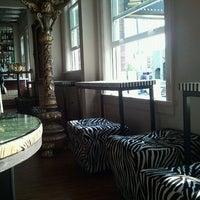 Das Foto wurde bei The Tin Lizzie Lounge von Pei L. am 8/11/2012 aufgenommen