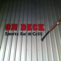รูปภาพถ่ายที่ On Deck Sports Bar & Grill โดย Jeri B. เมื่อ 6/19/2011