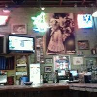 รูปภาพถ่ายที่ Guero's Taco Bar โดย Tabrel Õ. เมื่อ 12/5/2011