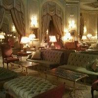 Foto tirada no(a) El Palace Hotel Barcelona por Sara W. em 11/17/2011