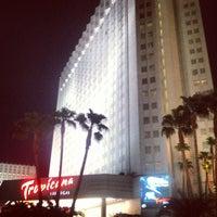 รูปภาพถ่ายที่ Tropicana Las Vegas โดย Andrew G. เมื่อ 8/25/2012