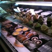 Das Foto wurde bei Upper Crust Pie & Bakery von Susan M. am 10/5/2011 aufgenommen