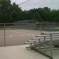 Foto tomada en Norris Youth Softball Complex por Tina T. el 6/2/2011