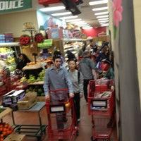 Photo prise au Trader Joe's par Viveka v. le4/3/2012