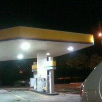 Foto tirada no(a) Posto Morumbi por Fabiano P. em 4/27/2012