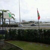 Foto tomada en Porto Miramar Restaurante por Ronaldo F. el 5/16/2012