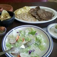 Foto scattata a Mikasa Restaurant da mark g. il 10/20/2011