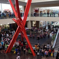 Foto tomada en NorthPark Center  por Suzanne F. el 3/24/2012