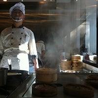 5/15/2011 tarihinde Kristen J.ziyaretçi tarafından Chefs Gallery'de çekilen fotoğraf