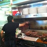 Foto scattata a Sarkis Cafe da Barry B. il 6/20/2012