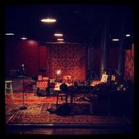 Foto diambil di New Ohio Theatre oleh Jason N. pada 2/12/2012