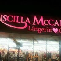 Foto tirada no(a) Priscilla McCall's por Marquita M. em 12/31/2011