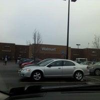 Foto scattata a Walmart Supercenter da Alim K. il 2/24/2012