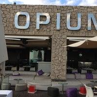 Foto tirada no(a) Opium por Gema Llopis @. em 12/6/2011