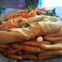 10/29/2011에 Jon O.님이 Bun Mi Sandwiches에서 찍은 사진