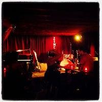 Foto scattata a Zinc Bar da Mert E. il 8/25/2012