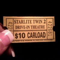 Foto scattata a Starlite Drive-In Theatre da LaShay B. il 4/12/2012