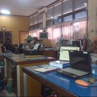 1/31/2012 tarihinde adjenkziyaretçi tarafından Dinas PU Kota Makassar'de çekilen fotoğraf