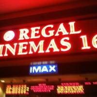 Foto tirada no(a) Regal Cinemas Red Rock 16 & IMAX por Mike Dj MYK S. em 6/6/2012