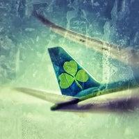 Foto diambil di Aer Lingus Lounge oleh Peter H. pada 12/31/2011
