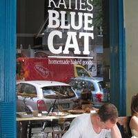 Foto tomada en Katie's Blue Cat por BNNS el 7/10/2011