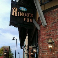 Foto diambil di Ringo's Pub oleh Jenn S. pada 9/18/2011