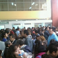 Foto tirada no(a) Registro Civil por Enrique G. em 1/13/2012