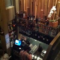 Foto tirada no(a) Poco Wine + Spirits por Brian W. em 1/6/2012