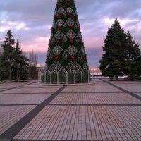 รูปภาพถ่ายที่ Площадь Ленина โดย Наталья Д. เมื่อ 1/15/2012