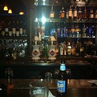 Foto diambil di Bull Bar oleh Martha B. pada 5/8/2012