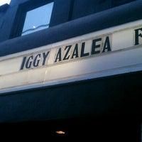 รูปภาพถ่ายที่ The Roxy โดย Catalina H. เมื่อ 5/13/2012
