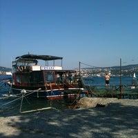 Das Foto wurde bei Taka Balık Ekmek von Cem T. am 7/14/2012 aufgenommen