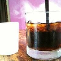 Foto tirada no(a) Poco Wine + Spirits por Gyu Young J. em 6/27/2012