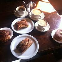 Photo prise au Big Sur Bakery par Bharat V. le5/12/2012