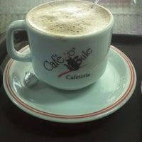 รูปภาพถ่ายที่ Café no Bule โดย Ricardo M. เมื่อ 6/23/2012
