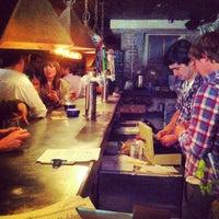 Das Foto wurde bei Alphabet City Beer Co. von nick p. am 5/18/2012 aufgenommen