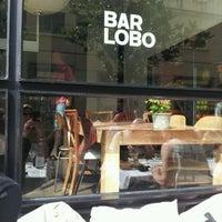 Foto diambil di Bar Lobo oleh Laura A. pada 6/3/2012