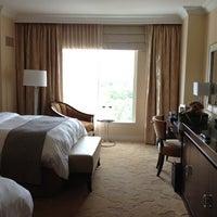 รูปภาพถ่ายที่ Waldorf Astoria Orlando โดย Sharon F. เมื่อ 8/27/2012