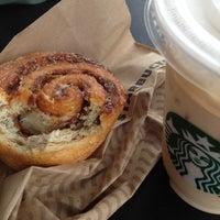 Foto scattata a Starbucks da Daniel il 7/9/2012
