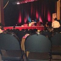 Das Foto wurde bei Paramount Theatre von Adeline J. am 7/15/2012 aufgenommen