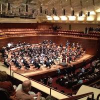 Das Foto wurde bei Louise M. Davies Symphony Hall von Thomas D. am 8/5/2012 aufgenommen