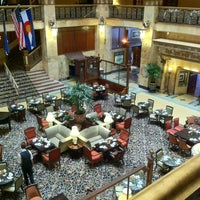 Foto tirada no(a) The Brown Palace Hotel and Spa por Jim em 7/14/2012
