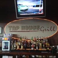 Foto tomada en Tap House Grill por Joseph K. el 6/19/2012