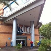 Foto tomada en C.C. Tolon Fashion Mall por Mary S. el 3/31/2012
