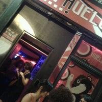 Foto diambil di LA HUELGA en Lavapiés oleh Lidia U. pada 6/15/2012