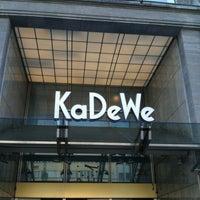 Das Foto wurde bei Kaufhaus des Westens (KaDeWe) von Maris S. am 4/25/2012 aufgenommen