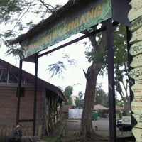Photo prise au Tahu Susu Lembang par ANGELO P. le6/9/2012