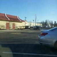 Foto diambil di McDonald's oleh Coco S. pada 1/27/2012
