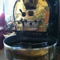 Foto diambil di Caroline's Coffee Roasters oleh Mary D. pada 2/19/2012
