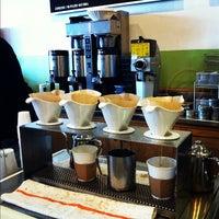 11/25/2011 tarihinde Matt G.ziyaretçi tarafından Peregrine Espresso'de çekilen fotoğraf